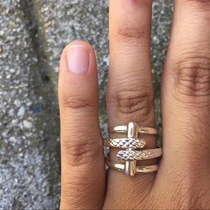 Peruvian Silver Line Crossing Ring